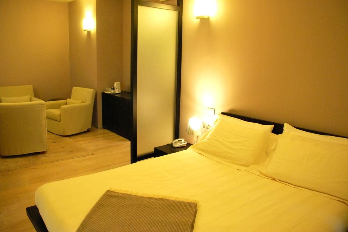 Sala Da Bagno Stile Contemporaneo : Albergo grand italia a quarona è dotato di suite